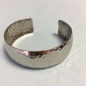 Sarah coventry silver toned cuff